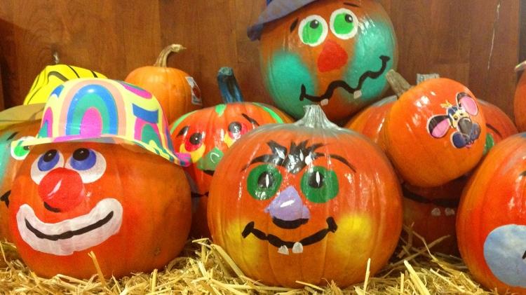 Hays Library Pumpkin Decorating Contest
